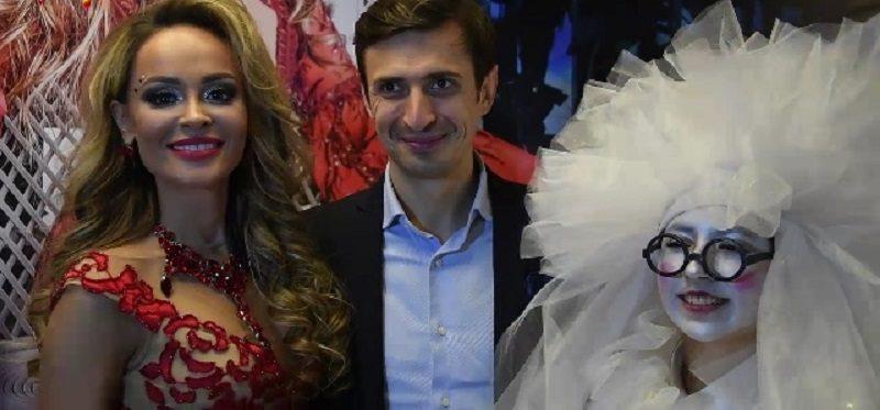"""Eevrazia FM: Анна Калашникова презентовала новый клип на песню """"Без макияжа»"""
